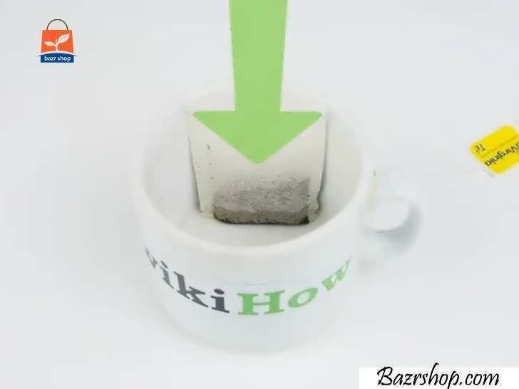 چای کیسه ای یا چای کیلویی را درون فنجان قرار دهید